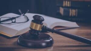proces sądowy
